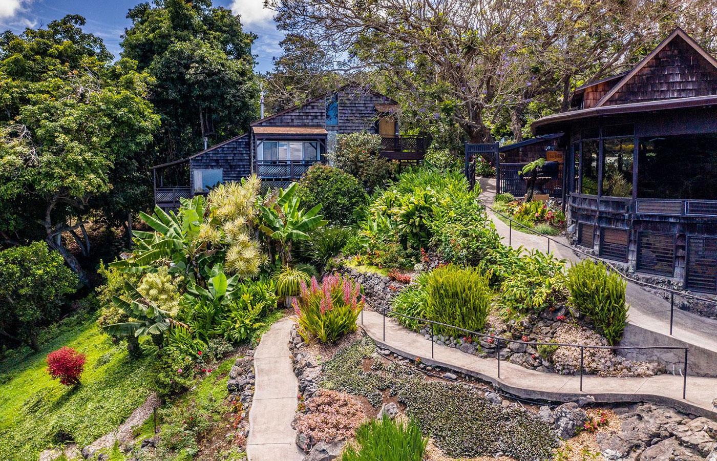 garden stroll at Kula Lodge